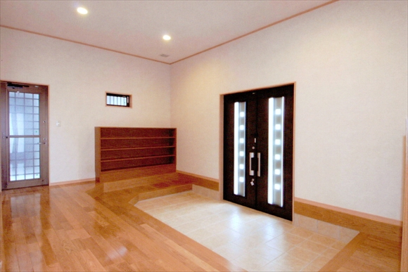 祖霊廟管理棟 玄関ホール
