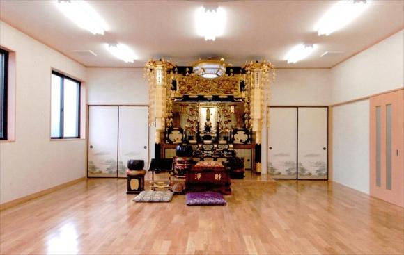 祖霊廟管理棟 本堂ホール(祭壇)