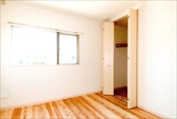 SCAL1 2階洋室